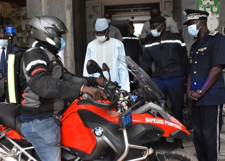 Présentation de la nouvelle flotte de motos des soldats du feu